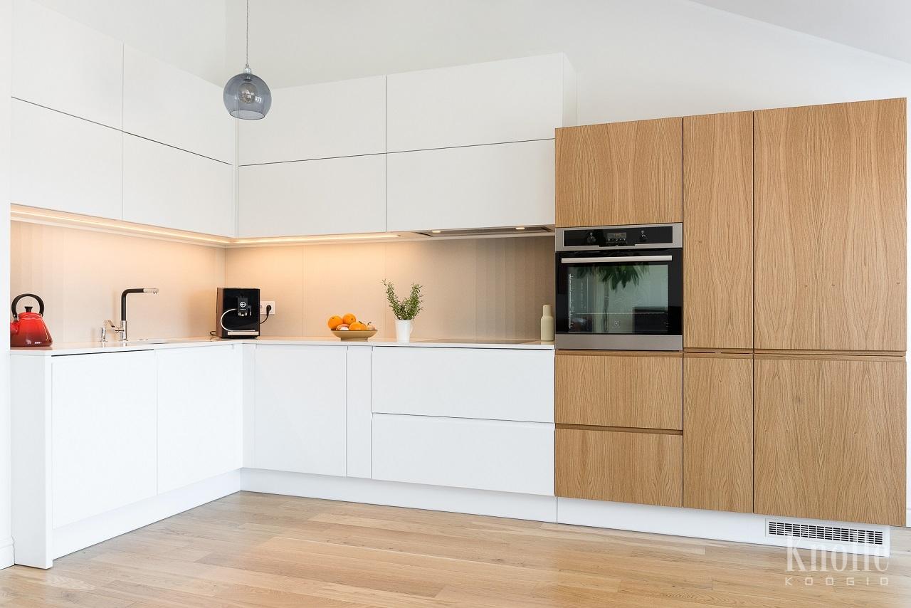knolle k gid kvaliteetne k gim bel 83 tamme naturaalspoonist ja mdf ist ustega. Black Bedroom Furniture Sets. Home Design Ideas
